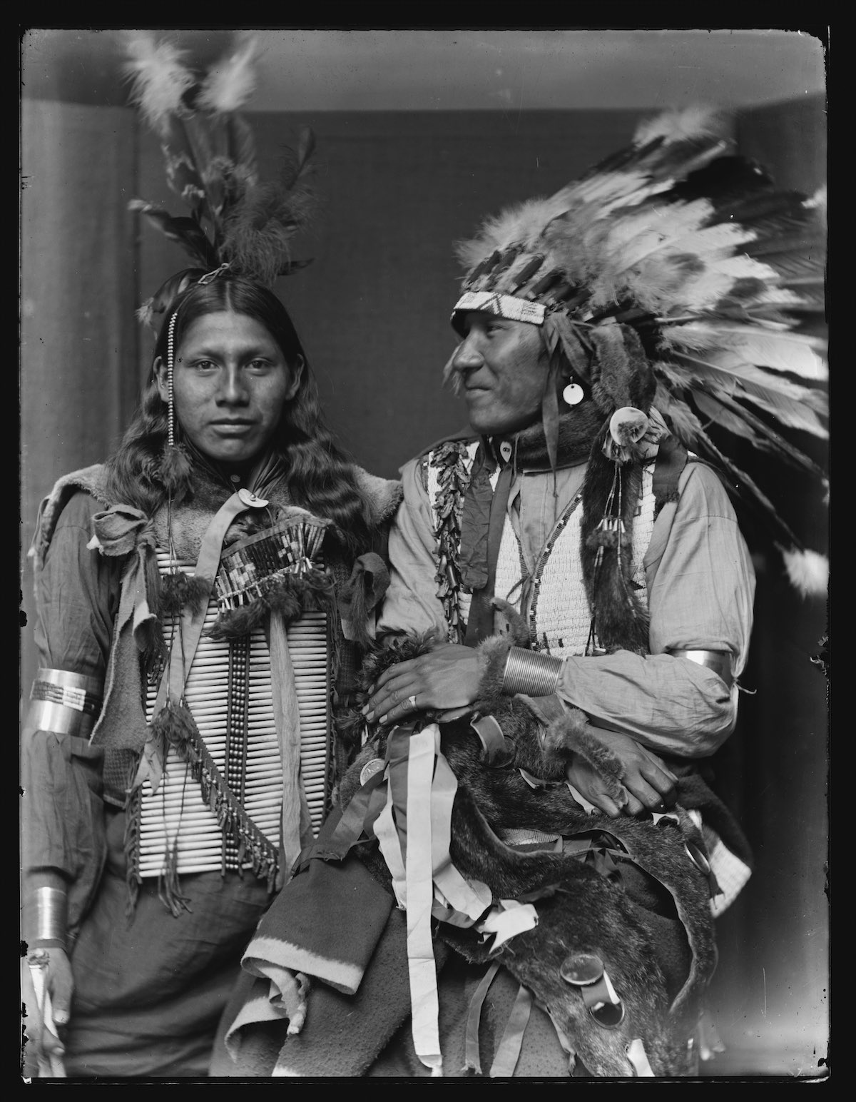 a history of the lives of the native americans The native-american family american indian family life was different from and changed by contact with europeans, who misinterpreted, misconstrued, or simply misunderstood indian customs.